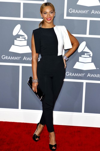 Beyonce in a graphic black and white crepe jumpsuit by Osman Studio.